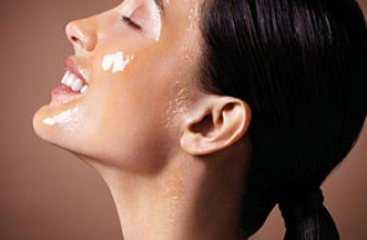Sweeten your beauty routine with a little honey
