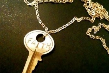 Must Have Jewelry – The Giving Keys ($35)