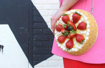 STRAWBERRY CAKE CLUTCH BAG